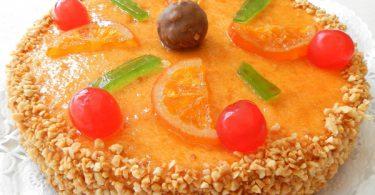 Mona de Pascua con fruta confitada