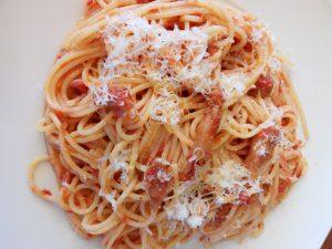 Espaguetis a la amatriciana