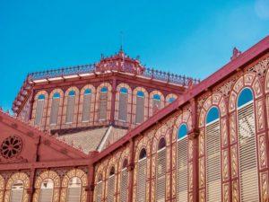 Fiesta de apertura del Mercat de Sant Antoni en Barcelona